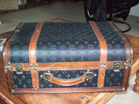 louis vuitton vinyl for luggage. Black Bedroom Furniture Sets. Home Design Ideas