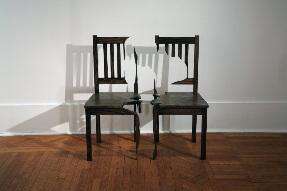 Charmant Darren Foote, Two Chairs