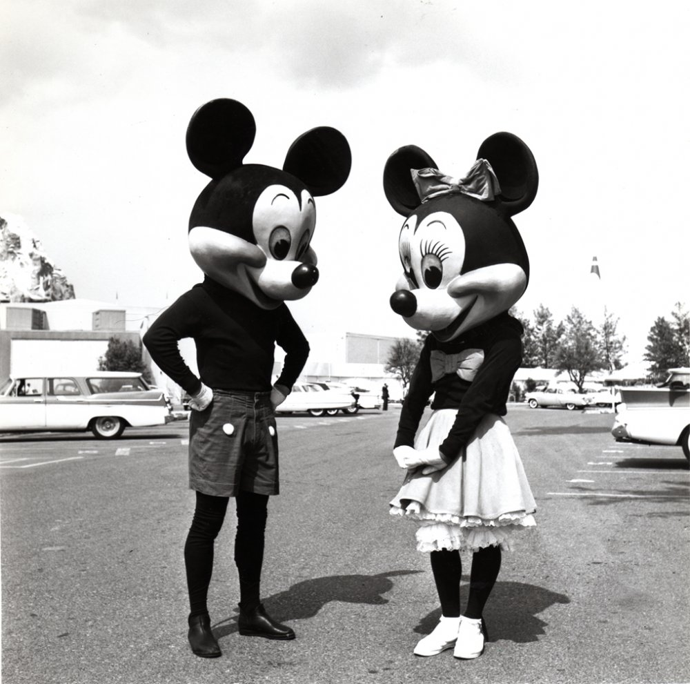 Old School Mickey Mouse And Minnie Mouse